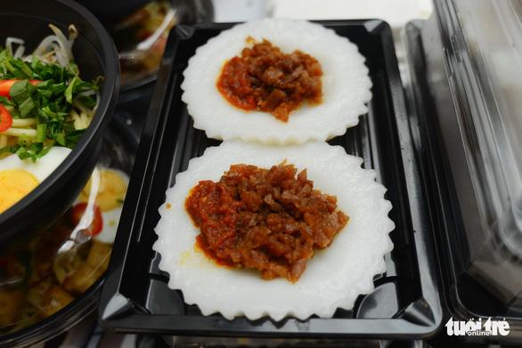 Cuối tuần thưởng thức cơm gà Singapore đạt chuẩn Michelin - Ảnh 7.