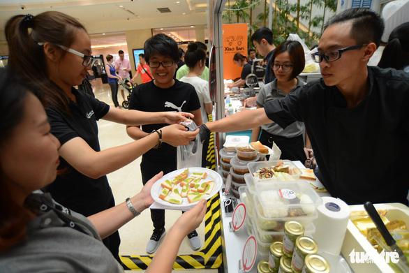 Cuối tuần thưởng thức cơm gà Singapore đạt chuẩn Michelin - Ảnh 10.