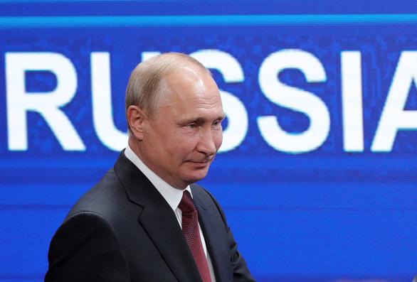 Ông Putin nói Nga bị làm 'con tin' trong các bê bối của ông Trump - Ảnh 1.