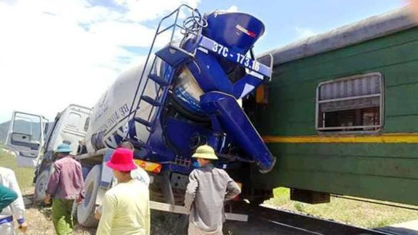 4 ngày 4 tai nạn: Chuyện gì đang xảy ra với ngành đường sắt? - Ảnh 2.