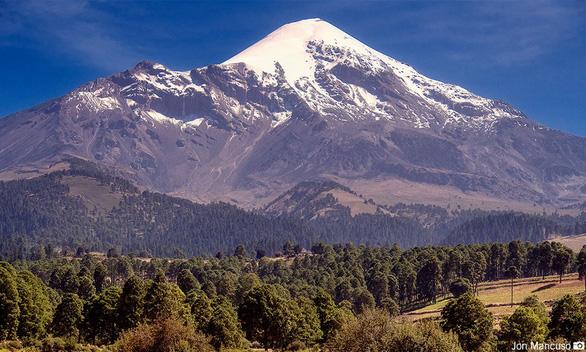 Đến Mexico chinh phục núi lửa phủ tuyết cao nhất Bắc Mỹ - Ảnh 3.