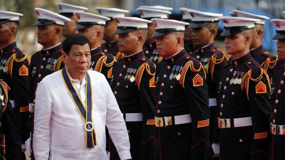 Philippines dọa chiến tranh nếu Bắc Kinh vượt 'lằn ranh đỏ' - Ảnh 1.