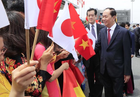 Nhật bắn 21 phát đại bác chào mừng Chủ tịch nước Trần Đại Quang - Ảnh 1.