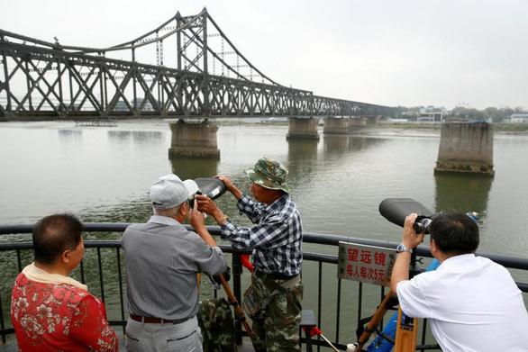 Biên giới Trung - Triều nhộn nhịp đón cơ hội 'vàng' từ Triều Tiên - Ảnh 1.