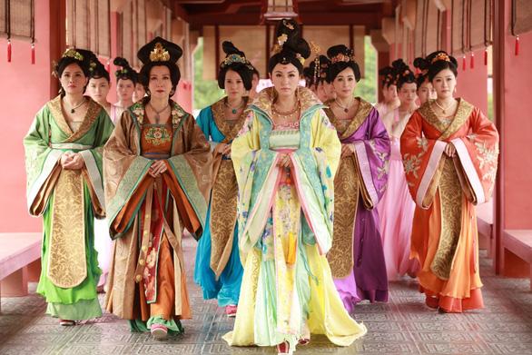 Thâm cung kế của TVB: từ cấm cửa đến khai ân - Ảnh 2.