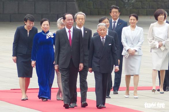 Nhà vua Nhật Bản đón Chủ tịch nước Trần Đại Quang ở hoàng cung - Ảnh 1.