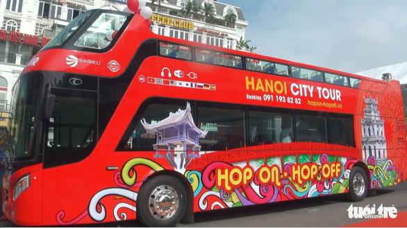 Lên buýt hai tầng ngắm Hà Nội như kiểu ở London - Ảnh 1.