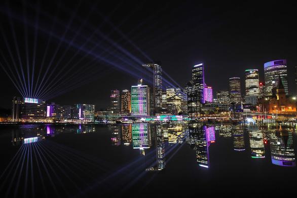Rực rỡ đêm Sydney trong lễ hội ánh sáng - Ảnh 4.
