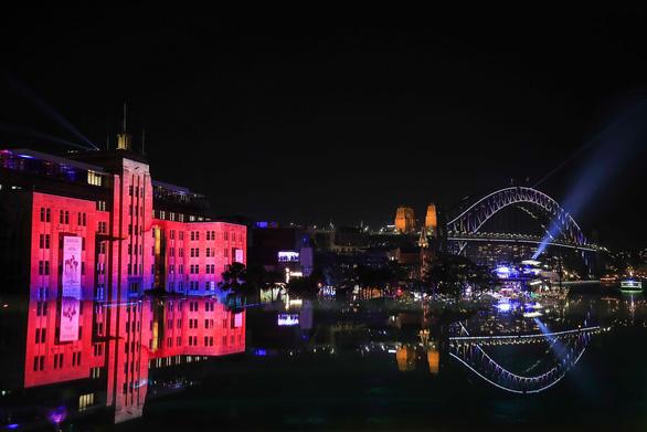 Rực rỡ đêm Sydney trong lễ hội ánh sáng - Ảnh 7.