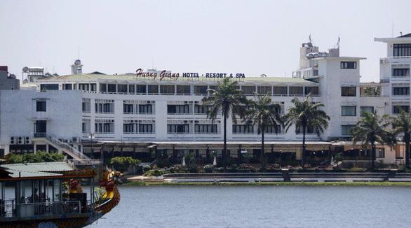 Chủ tịch tỉnh Thừa Thiên - Huế: Chúng tôi làm đúng quy định - Ảnh 1.