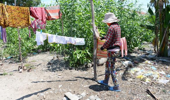 Bi kịch câu chuyện bé sơ sinh bị chôn sống ở Bình Thuận - Ảnh 1.
