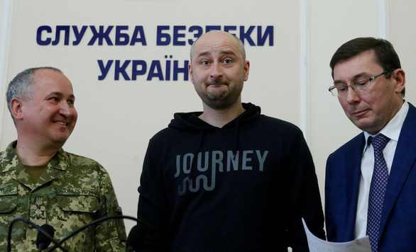 Truyền thông nổi điên vì nhà báo Nga 'chết đi sống lại' ở Ukraine - Ảnh 1.