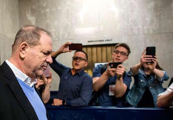 Ông trùm Harvey Weinstein chính thức bị truy tố - Ảnh 2.