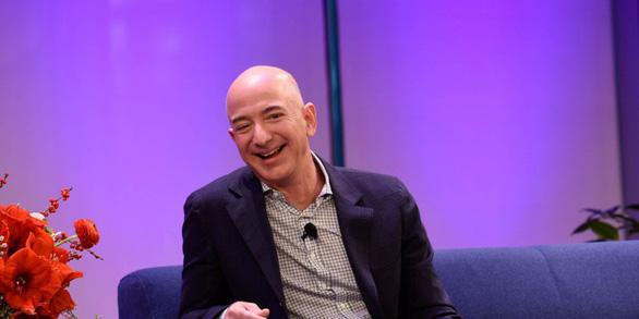 Người giàu nhất thế giới khuyên đừng cố 'cân bằng công việc - cuộc sống' - Ảnh 1.