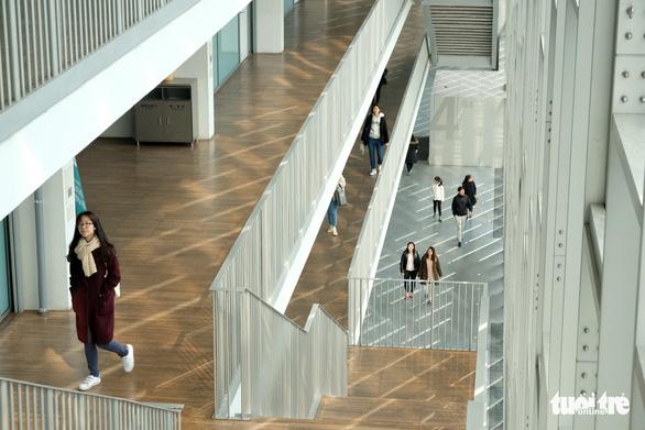 Ngắm nhan sắc Đại học nữ lớn nhất thế giới - Ảnh 13.