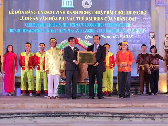 Hội An đón bằng vinh danh bài chòi từ UNESCO - Ảnh 1.