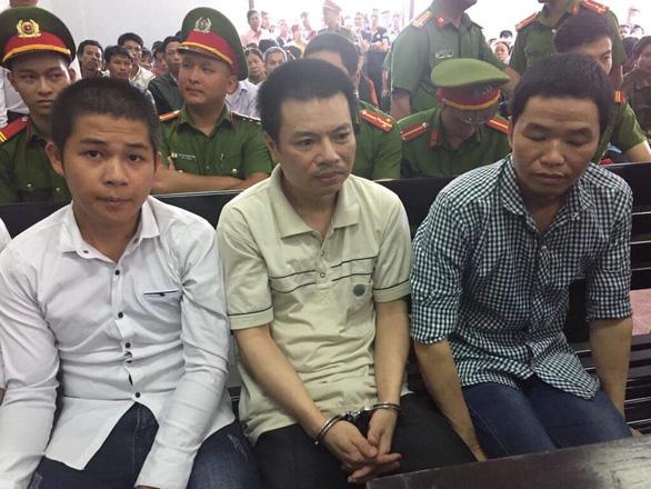 Hoãn xử vụ nổ súng cưỡng chế đất ở Đắk Nông - Ảnh 1.