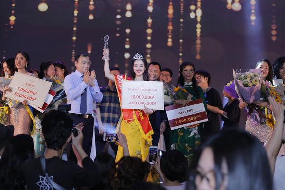Nữ sinh Học viện Ngoại giao khoe tài trong chung kết Hoa khôi - Ảnh 5.