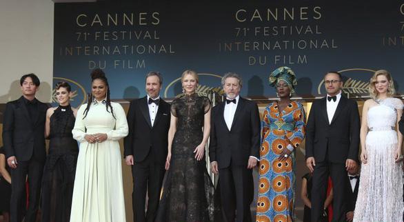 Cannes 2018 ngày đầu tiên qua ảnh: Nỗ lực đề cao phụ nữ - Ảnh 5.