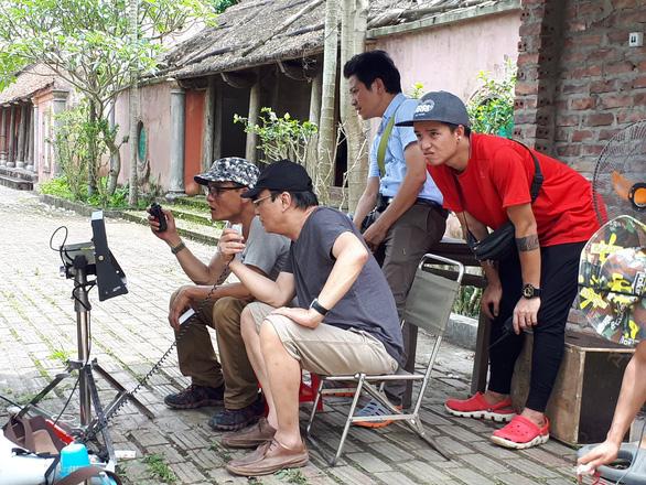 Đạo diễn Khải Hưng lần đầu làm MV cho ca sĩ Phương Thảo - Ảnh 1.