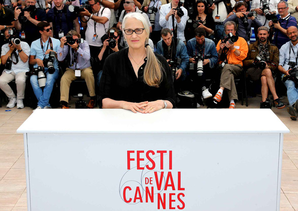 Cannes 2018 ngày đầu tiên qua ảnh: Nỗ lực đề cao phụ nữ - Ảnh 7.