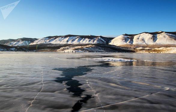Vẻ đẹp tinh khiết của hồ Baikal và hồ Xanh - Ảnh 6.