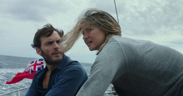 Adrift - Hành trình sinh tử của đôi tình nhân trên biển cả - Ảnh 1.