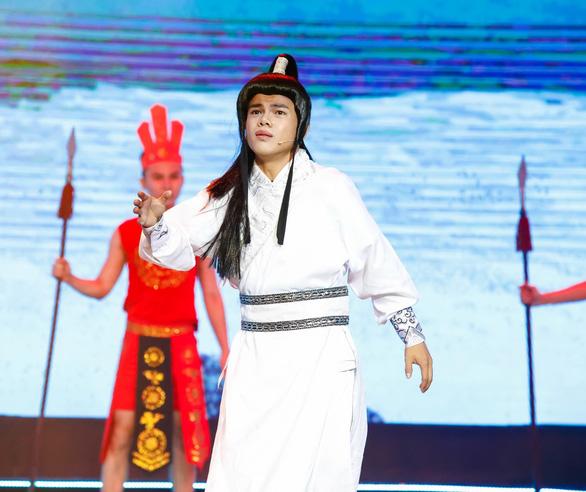 Con trai nghệ sĩ Thanh Nga lấy nước mắt khán giả với Mưa rừng - Ảnh 5.