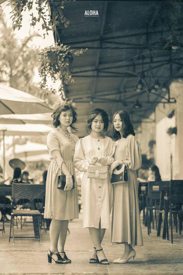 Kỷ yếu tái hiện 100 năm thời trang của nữ nhi quốc chuyên văn - Ảnh 2.