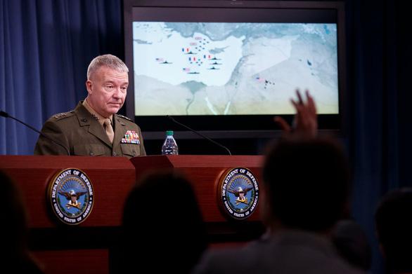 Mỹ cảnh báo cho 'nổ tung' đảo nhân tạo Trung Quốc xây trái phép - Ảnh 1.