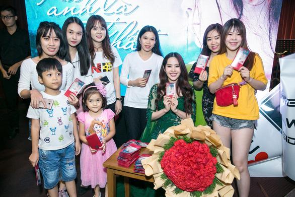 Nam Em tung Xa anh là tốt nhất phiên bản tiếng Việt - Ảnh 3.