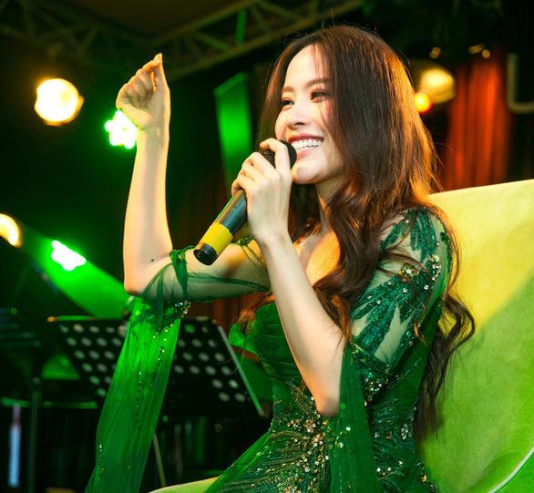 Nam Em tung Xa anh là tốt nhất phiên bản tiếng Việt - Ảnh 1.