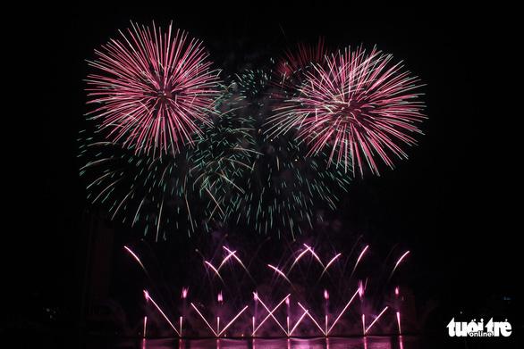 Hoa Kỳ và Ý vào chung kết pháo hoa quốc tế Đà Nẵng - Ảnh 2.