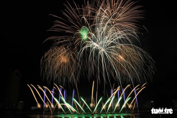 Hoa Kỳ và Ý vào chung kết pháo hoa quốc tế Đà Nẵng - Ảnh 3.