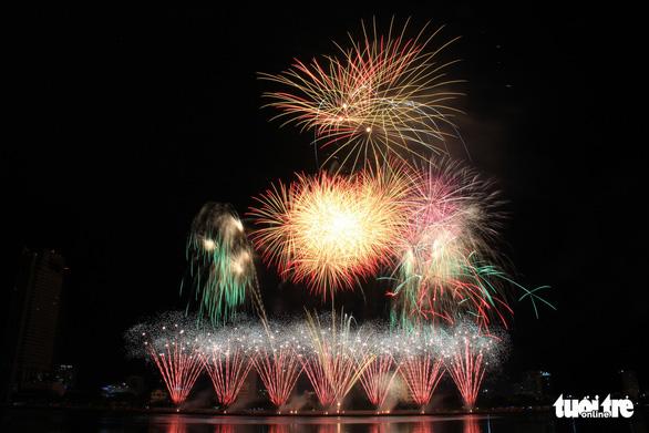 Hoa Kỳ và Ý vào chung kết pháo hoa quốc tế Đà Nẵng - Ảnh 7.