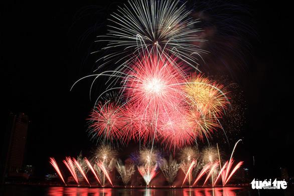 Hoa Kỳ và Ý vào chung kết pháo hoa quốc tế Đà Nẵng - Ảnh 8.