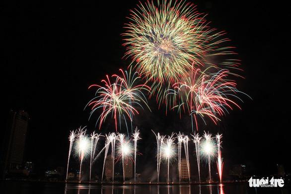 Hoa Kỳ và Ý vào chung kết pháo hoa quốc tế Đà Nẵng - Ảnh 10.