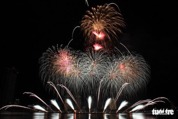Hoa Kỳ và Ý vào chung kết pháo hoa quốc tế Đà Nẵng - Ảnh 11.