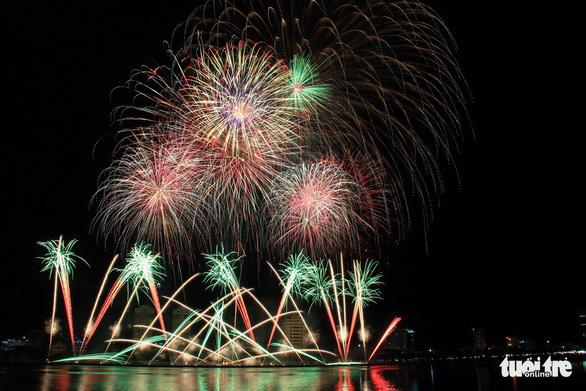 Hoa Kỳ và Ý vào chung kết pháo hoa quốc tế Đà Nẵng - Ảnh 12.