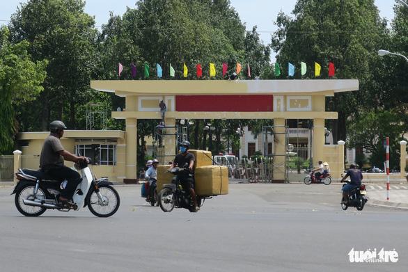 Thủ tướng Nguyễn Xuân Phúc chủ trì họp về tình hình an ninh trật tự - Ảnh 1.