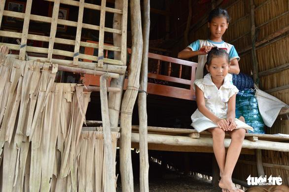 Những đứa trẻ tứ xứ tha hương vượt khó đến trường - Ảnh 4.