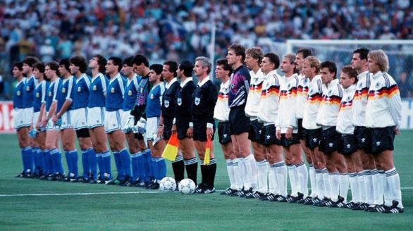 Mùa hè Italia - bài hát tan chảy trái tim bao thế hệ yêu World Cup - Ảnh 1.