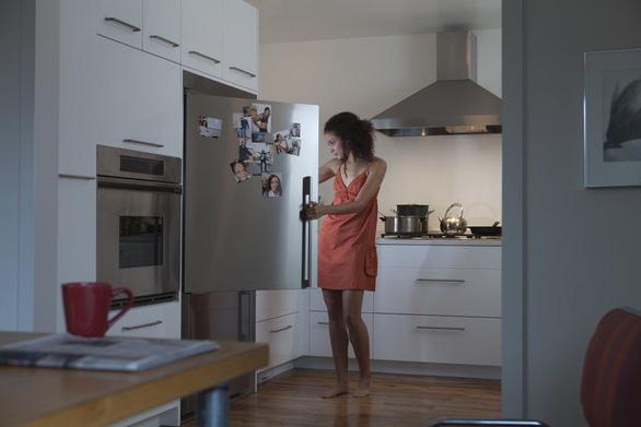 9 thói quen có thể làm hỏng giấc ngủ ngon của bạn - Ảnh 8.