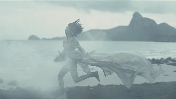 Những thước phim thời trang đẹp mơ màng của Chung Thanh Phong - Ảnh 7.