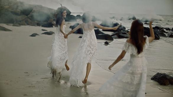 Những thước phim thời trang đẹp mơ màng của Chung Thanh Phong - Ảnh 3.