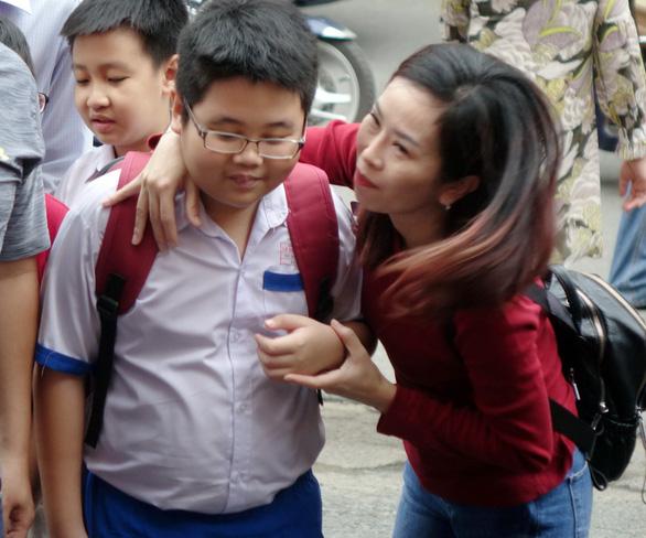 Hơn 4.000 học sinh thi vào lớp 6 Trường Trần Đại Nghĩa - Ảnh 6.