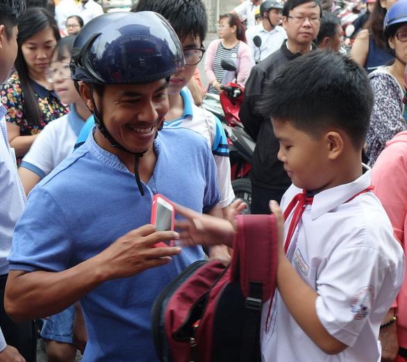 Hơn 4.000 học sinh thi vào lớp 6 Trường Trần Đại Nghĩa - Ảnh 4.