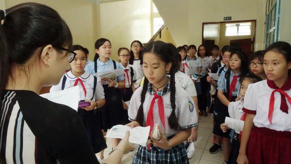Hơn 4.000 học sinh thi vào lớp 6 Trường Trần Đại Nghĩa - Ảnh 1.