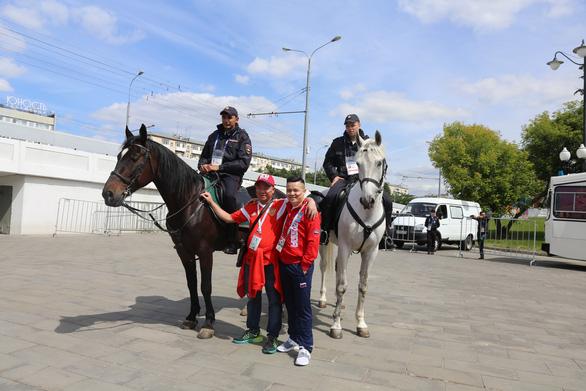 Cảnh sát đi ngựa có phải để 'làm kiểng' ở World Cup 2018? - Ảnh 5.