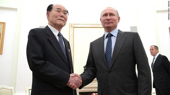 Ông Putin mời 'đồng chí' Kim Jong Un đến thăm Nga - Ảnh 1.